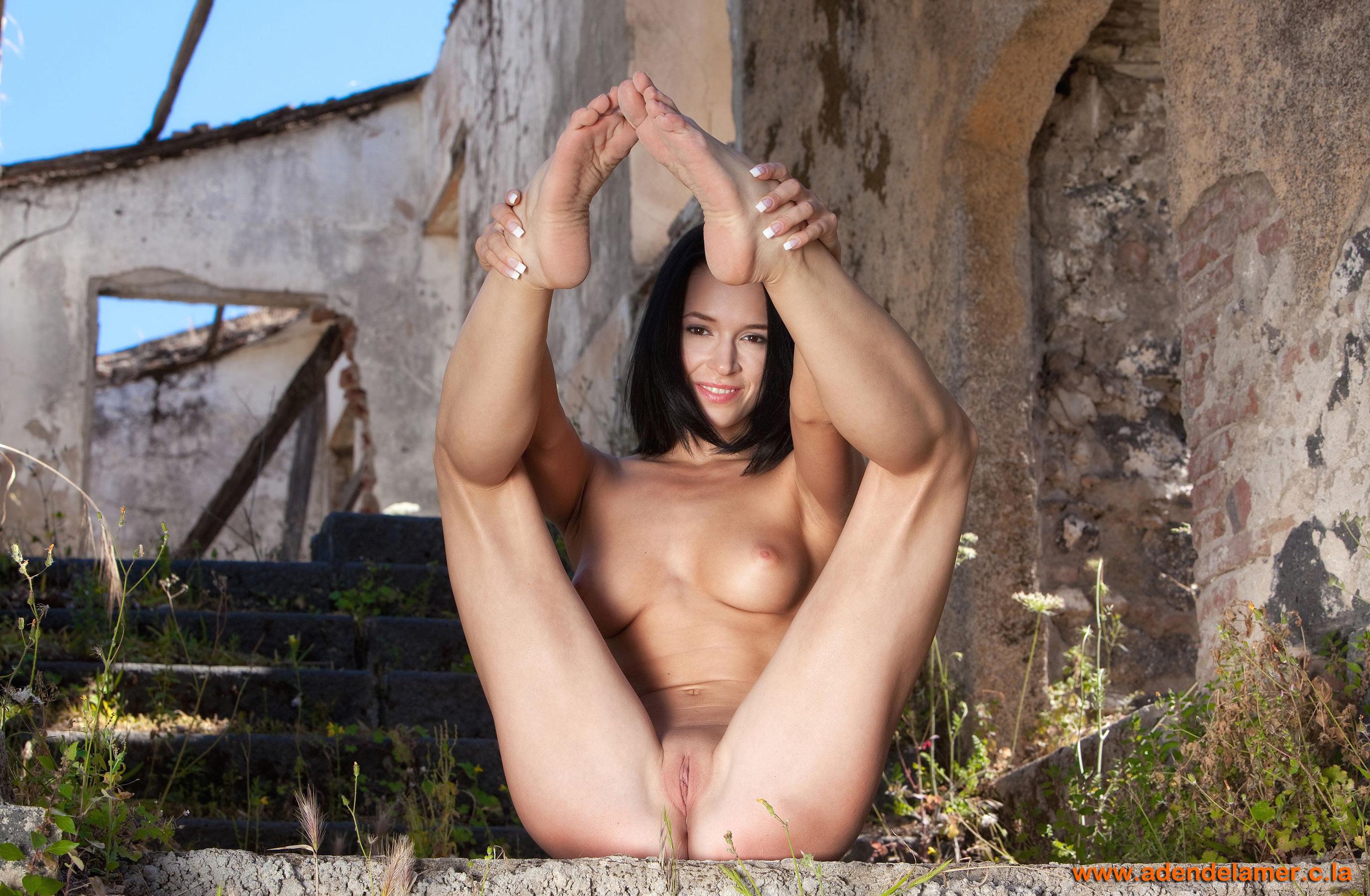 Прелестная обнажённая жена 6 фотография