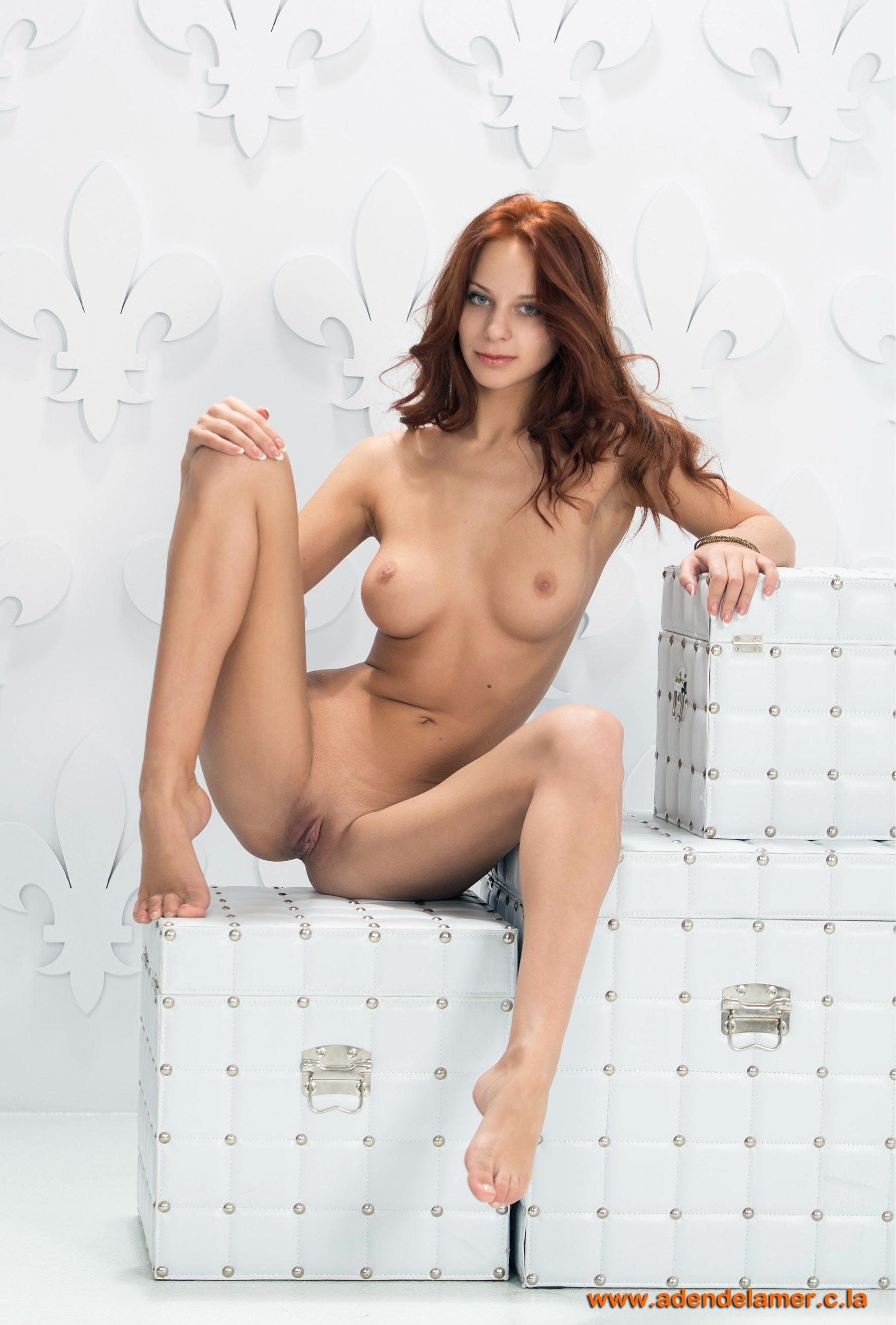 Широко расставленные ноги красивой женщины фото 17 фотография